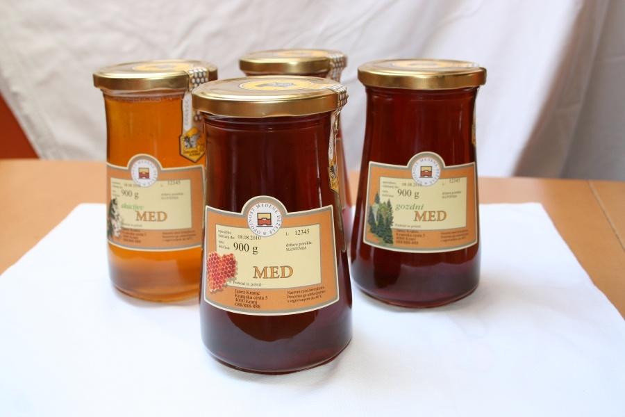 Čebelja paša in čebelji pridelki
